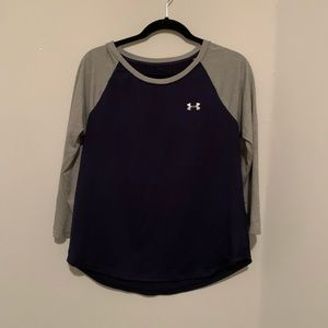 Men under armour moisture wicking top